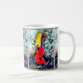 blonde Meerjungfrauen im Rot Kaffeetasse