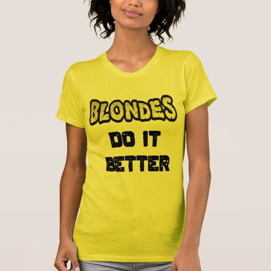 Blondinen verbessert es den T - Shirt der Frauen