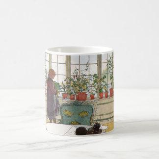 Blumen auf dem Windowsill durch Karl Larsson Kaffeetasse