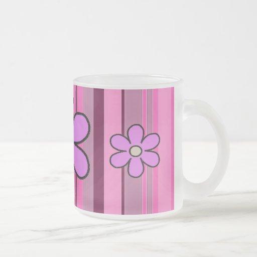 Blumen-Streifen-Initialen-Tasse