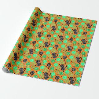 Blumenkontrastorange Geschenkpapierrolle