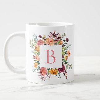 Blumenrahmen-Monogramm Jumbo-Tasse