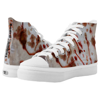Blut befleckte Zombie-hohe Spitzen durch Hoch-geschnittene Sneaker
