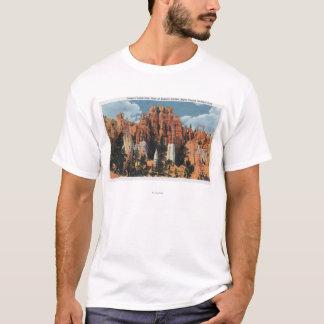 Boden der Garten-der Ansicht der Königin des T-Shirt