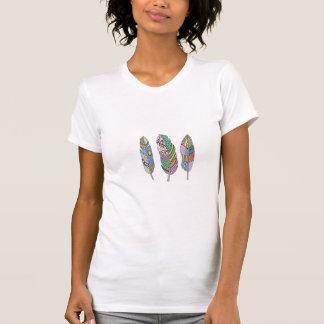 Böhmische Stammes- blaue rosarote Feder T-Shirt