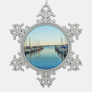 Boote am Jachthafen durch Shirley Taylor Schneeflocken Zinn-Ornament