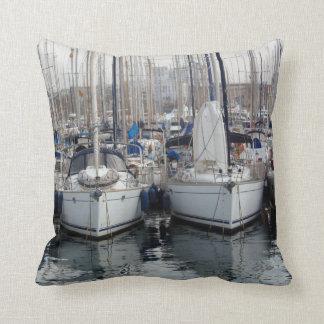 Boote in Barcelona Zierkissen