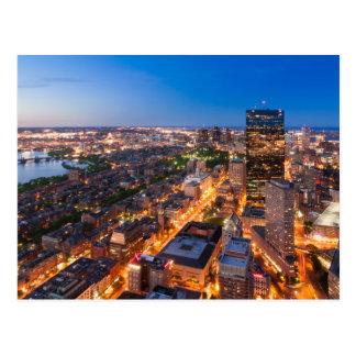 Bostons Skyline an der Dämmerung Postkarte