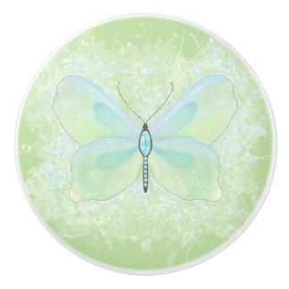 Bouton orné de bijoux de papillon de chaux et