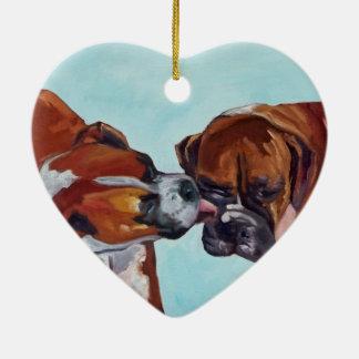 Boxer küssend, verfolgt Herz geformte Verzierung Keramik Ornament
