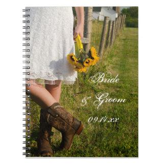 Braut, Cowboystiefel und Spiral Notizblock