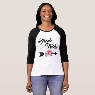 Braut-Stamm-Blumenpfeil T-Shirt
