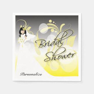 Brautparty in einem hübschen Gelben und in einem Papierservietten
