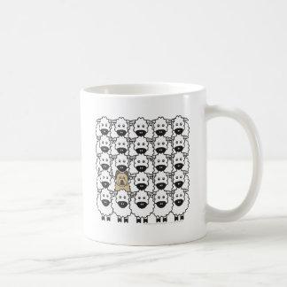 Briard in den Schafen Kaffeetasse