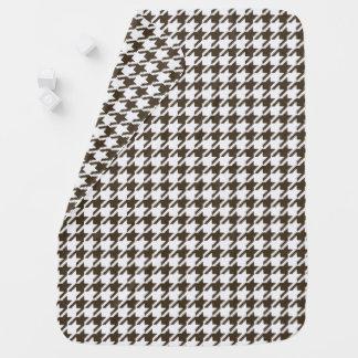 Brown-Kombinations-Hahnentrittmuster durch Shirley Puckdecke