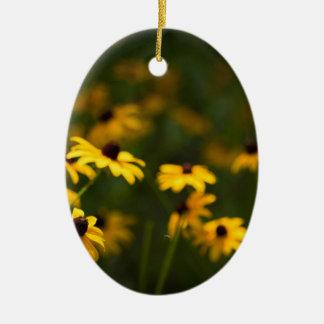 Brown-Mit Augen Susan-Blumen Ovales Keramik Ornament