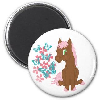 Brown-Pony mit Blumen und Schmetterlings-Magneten Runder Magnet 5,1 Cm