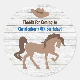 Brownpferde-und -cowboyhut-Western-Geburtstag Runder Aufkleber