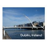 Brücke über Dublin-Fluss Postkarten