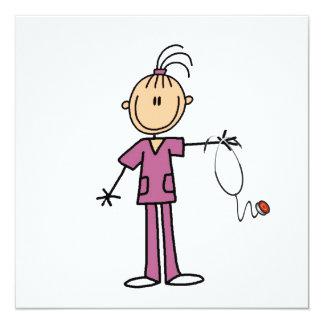 Brünette Strichmännchen-Krankenschwester Quadratische 13,3 Cm Einladungskarte