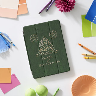 Buch des Schatten-keltischen Grüns iPad Pro Hülle