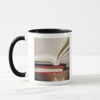Bücher Tasse