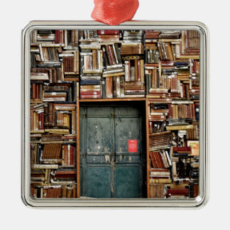 Bücher und Bücher Silbernes Ornament