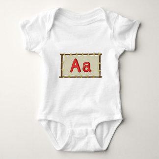 Buchstabe des Alphabetes Baby Strampler