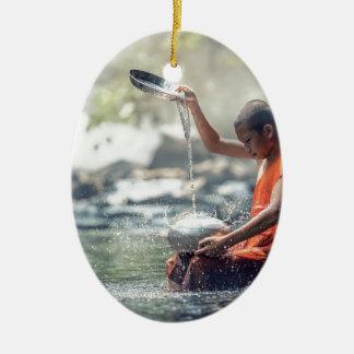 Buddhistischer Mönch-waschende Werkzeuge Keramik Ornament