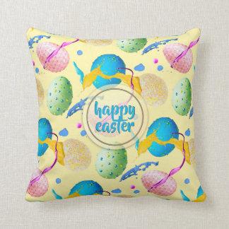 Bunte Ostereier und Farben-Spritzen Kissen