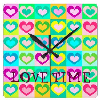 bunte Wanduhr, 24 MAL H. love.LOVE Wanduhr