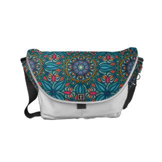 Buntes abstraktes ethnisches Blumenmandalamuster Kurier Taschen