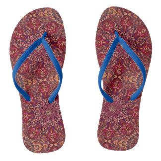 Buntes abstraktes ethnisches Blumenmandalamusterde Flip Flops