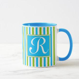 Buntes blaues und grünes Streifen-Muster-Monogramm Tasse