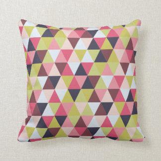 Buntes Dreieck-Kissen (größtenteils Rosa u. Kissen
