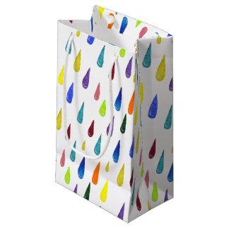 Buntes regnerischer Tagesmuster Kleine Geschenktüte