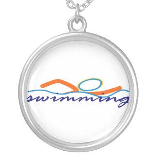 Buntes Schwimmen-Symbol Versilberte Kette