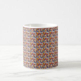 Buntglaskunst mit einem rosigen orange backgroudnd tasse