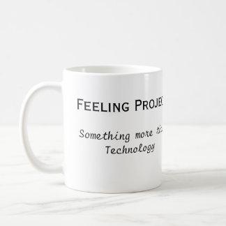 Büro Feeling Projects zerteilt Tasse