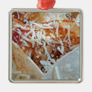 Burrito-Käse-lustiger Nahrungsmittelhintergrund Quadratisches Silberfarbenes Ornament