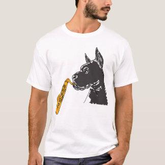 BW großer Däne, der das Saxophone-Shirt spielt T-Shirt