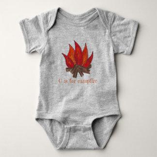 C ist für Lagerfeuer-Lager-Feuer-Flammen-Klotz die Baby Strampler