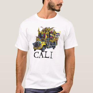CALI ärgert sich! THE FAMOUS PARTY ON WHEELS_. T-Shirt