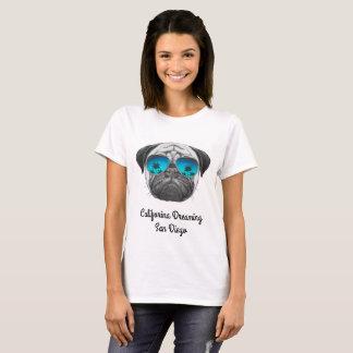 Califorina, das Mops San Diego träumt T-Shirt