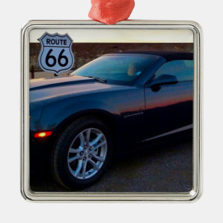 Camaro auf Weg 66 Quadratisches Silberfarbenes Ornament