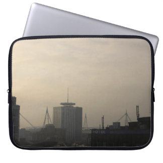 Cardiff-Stadt-Skyline Laptop Sleeve