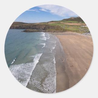 Carn Llidi und Whitesands Bucht Wales Runder Aufkleber