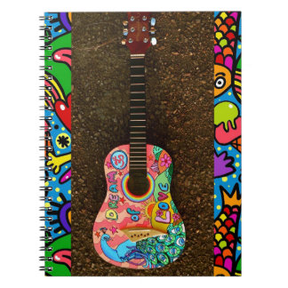 Carnet lumineux coloré de guitare d'amour rêveur