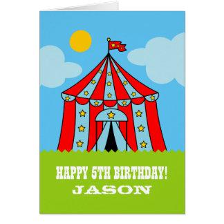 Carte d'anniversaire de enfant avec la tente de