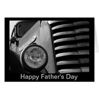 Carte de fête des pères avec la voiture ancienne